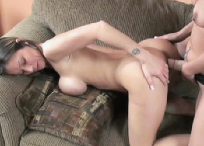 Leeanna Heart gets fucked with a strap-on