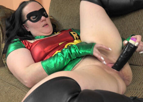 Selena plays as Robin the MILF Wonder